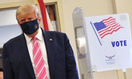 Eleições nos EUA: Trump vota presencialmente com 10 dias de antecedência