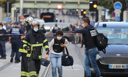 Papa condena 'feroz ataque' em basílica de Nice