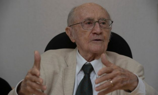 Jurista Paulo Bonavides morre aos 95 anos