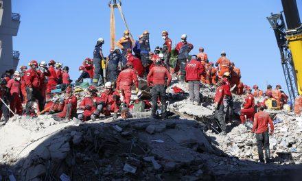 Sobe para 51 o número de mortos no terremoto no Mar Egeu