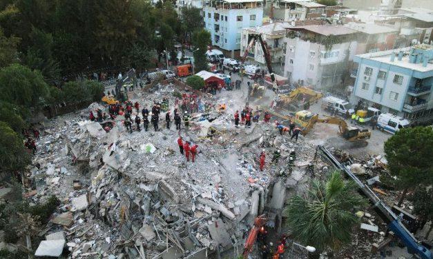 Sobe para 114 o nº de mortos em terremoto na Turquia; buscas são encerradas