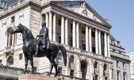 Banco da Inglaterra anuncia novo pacote de estímulo financeiro