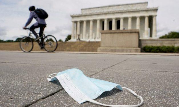 EUA batem novo recorde mundial de infecções diárias por Covid-19 pelo segundo dia consecutivo