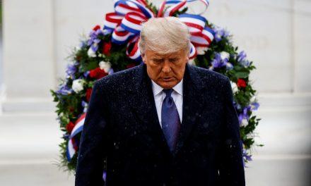 Trump participa de 1º evento público após derrota na eleição