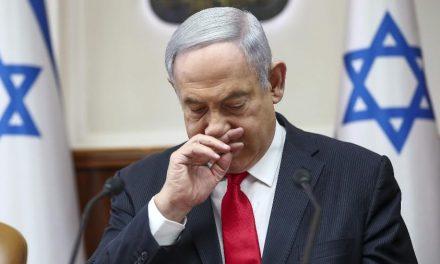 Israel bombardeia posições do Hamas em represália por foguetes lançados de Gaza