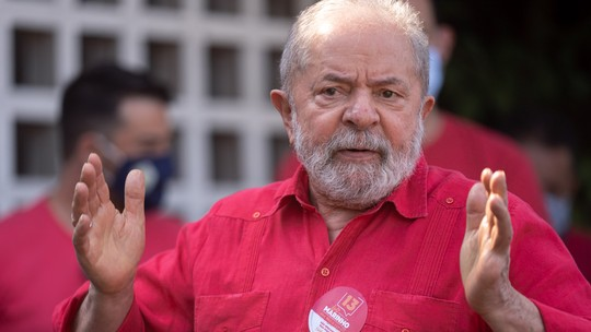 Fachin manda STJ analisar pedido de Lula para paralisar caso do triplex
