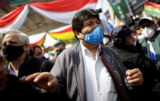 Evo Morales assume presidência do partido do governo boliviano