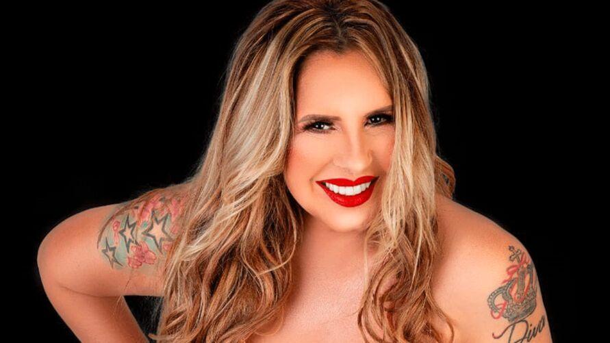 Diva do brega faz única apresentação em Belém
