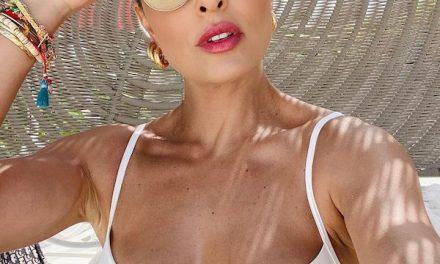 """De biquíni, Juliana Paes ostenta shape 'sequinho' e fã se derrete: """"Muito Barbie"""""""