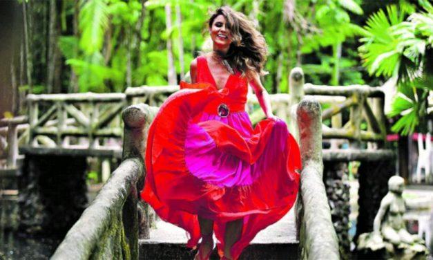 Lia Sophia canta em live dedicada à música paraense