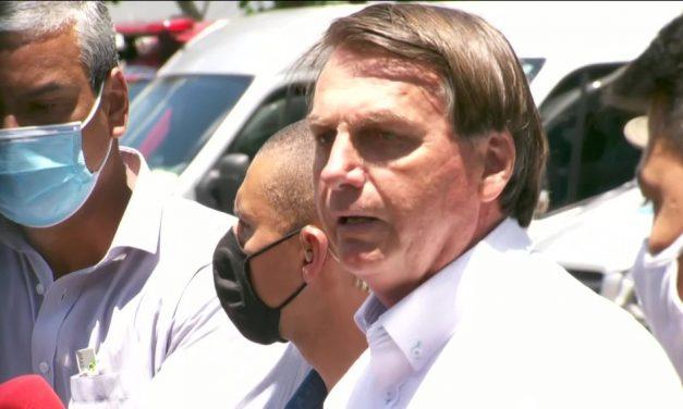 Mesmo sem provas de fraudes, Bolsonaro critica voto eletrônico