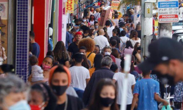 Sem restrições a festas, infectologistas preveem 'bomba-relógio' em janeiro