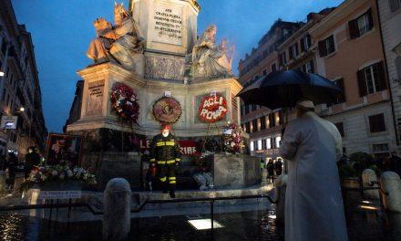 Papa Francisco começa as celebrações de Natal sem fiéis em Roma