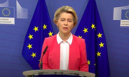 Negociações do Brexit continuam, diz presidente da Comissão Europeia