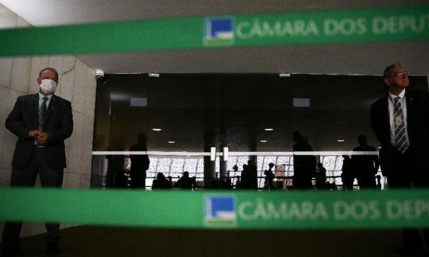 Bloco governista teme pauta bomba de Maia e obstrui votação na Câmara