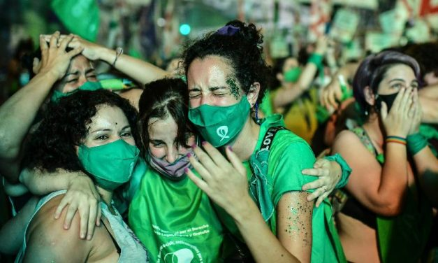 Aborto legal entra em vigor na Argentina