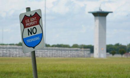 Governo dos EUA executa condenado com deficiência intelectual e Covid
