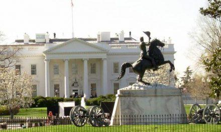 Temendo violência, Washington se fecha uma semana antes da posse
