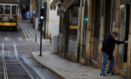 Portugal começa novo lockdown após recorde de mortes e funerárias sob pressão