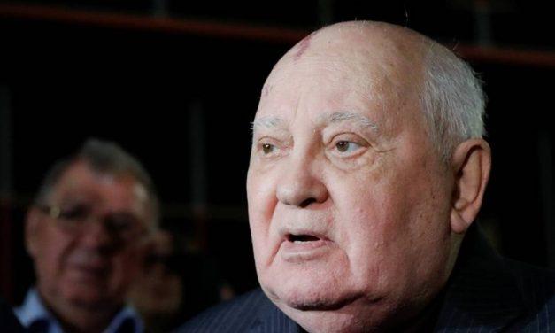 Gorbachev espera normalização das relações EUA-Rússia no governo Biden