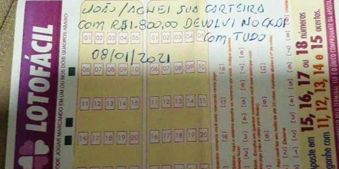 'Nem tudo está perdido', diz idoso após recuperar carteira perdida com R$ 1,8 mil