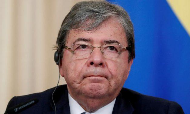Ministro da Defesa da Colômbia morre de pneumonia viral ligada à covid-19