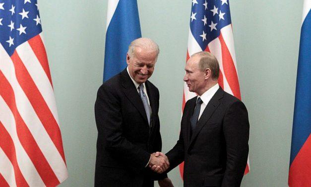 Em telefonema, Biden e Putin conversam sobre ativista preso na Rússia e acertam extensão de pacto nuclear