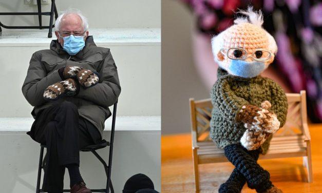 Boneco de crochê de Bernie Sanders na posse de Biden é vendido por R$ 110 mil