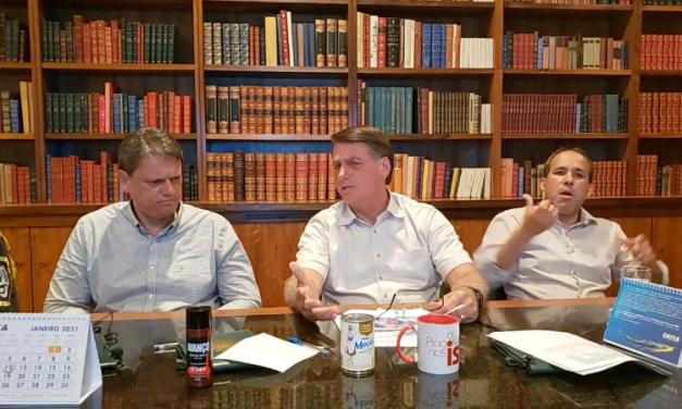 Volta de auxílio emergencial 'vai quebrar o Brasil', diz Bolsonaro em live