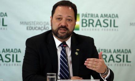 Gabarito do Enem foi mudado porque tinha um erro, não por questão de racismo, diz presidente do Inep