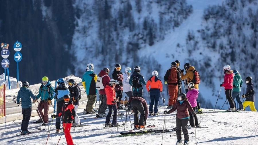 Áustria descobre 96 estrangeiros em resort de esqui em violação de lockdown
