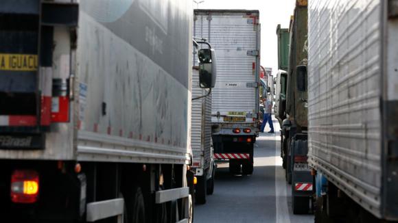 Caminhoneiros confirmam greve e alegam situação pior que a de 2018
