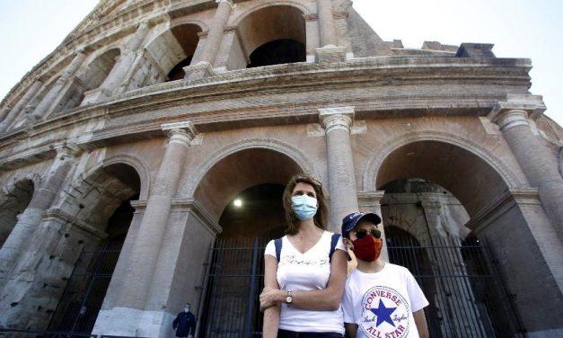 Itália alivia restrições anticovid com reabertura dos museus e do Coliseu