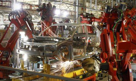 Produção industrial tem queda pelo segundo ano seguido e fecha 2020 com um tombo de 4,5%, aponta IBGE