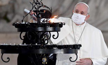 Papa pede fraternidade: 'Ou somos irmãos, ou nos destruímos mutuamente'