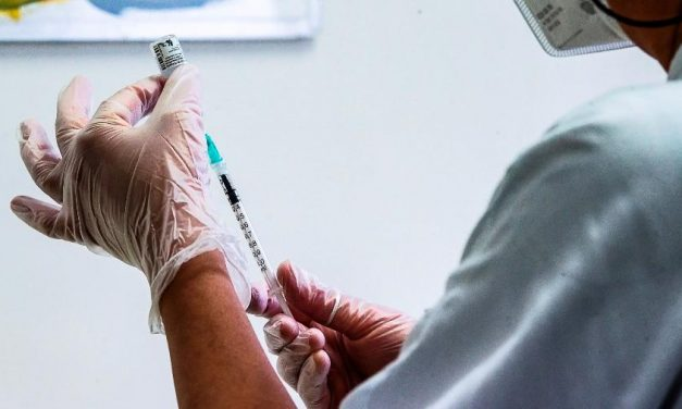Vaticano pede que ONU intervenha e garanta vacinas contra covid-19