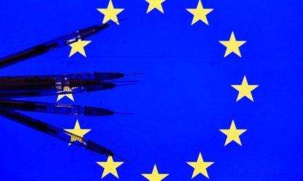 Vacinas contra covid-19: União Europeia enfrenta lentidão na entrega de imunizantes e disputa com britânicos
