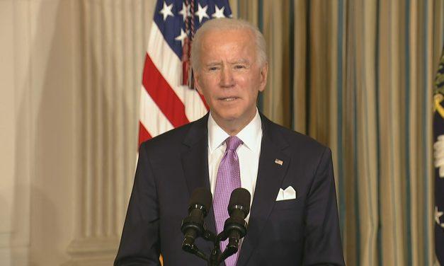 Biden defende que Trump não tenha mais acesso a relatórios da inteligência