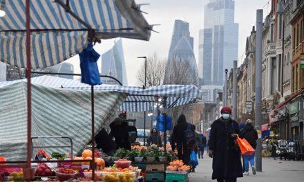 Economia do Reino Unido tem tombo recorde de 9,9% em 2020