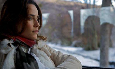 Fernanda Vasconcellos lembra de frio congelante e dores após gravar cenas de novela