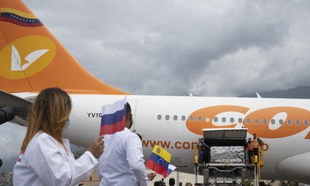 Primeiro lote de 100.000 vacinas russas contra a Covid chega à Venezuela