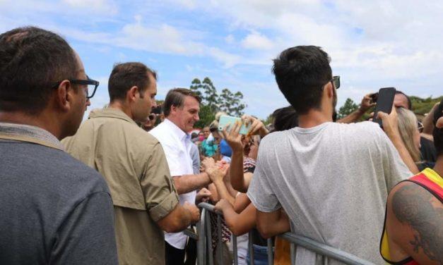 Bolsonaro diz que povo está 'vibrando' com novo decreto em favor do armamento