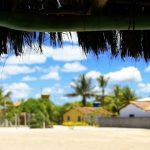 Caraíva além da foto perfeita: destino da moda sofre com lixo e descaso