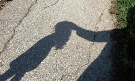 Vítimas de tráfico infantil exigem investigação na França