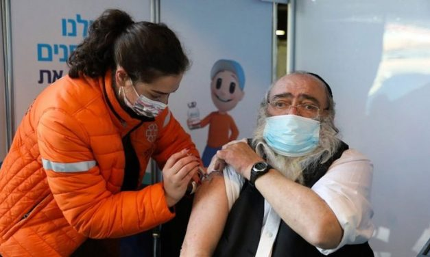 Israel doa mais lotes de vacinas a países aliados do que destina aos palestinos em seus territórios