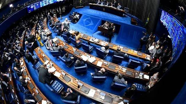 Criticada no Senado, PEC do auxílio deve ter votação adiada