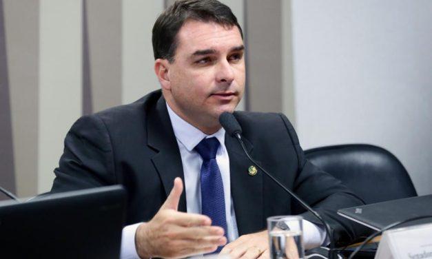 Flávio Bolsonaro: No 'palco das rachadinhas', aliados ecoam 'já ganhou'