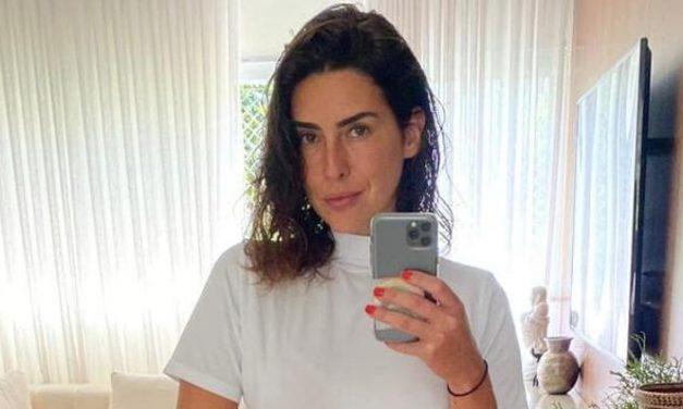 Fernanda Paes Leme posa de biquíni em Fernando de Noronha e recebe chuva de elogios