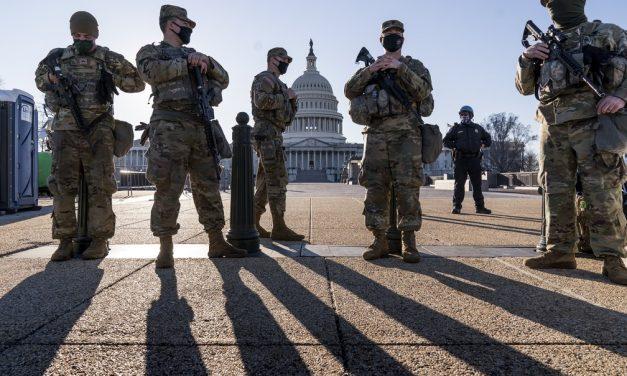 Sessão da Câmara dos EUA é suspensa após alerta de ameaça