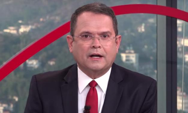 """Sidney Rezende por trás das câmeras da CNN: De """"pegadinha"""" em âncora do JN a fã do Bangu"""